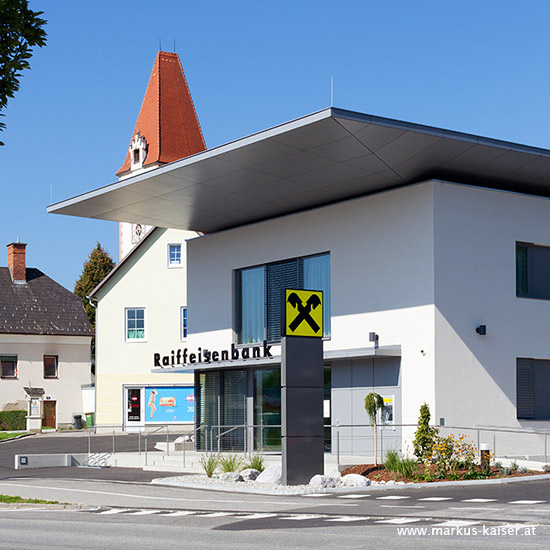 tl_files/news/raiffeisenbank-st-marein-noest-kahlen-architektur-04.jpg